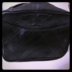 NWOT Tory Burch black leather crossbody